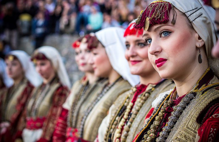 macedonian girls in traditional dresses